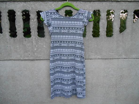 sukienka 152 na 11 12 lat czarna w białe wzorki