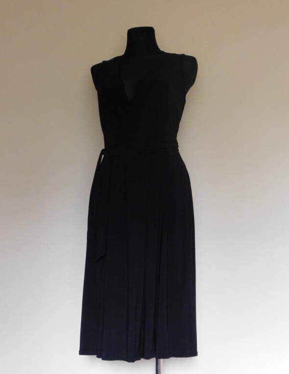 Debenhams czarna sukienka plisy 40...