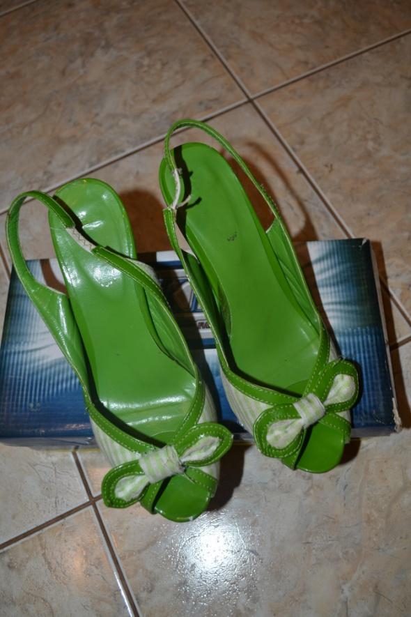 Zielone szpilki 37r