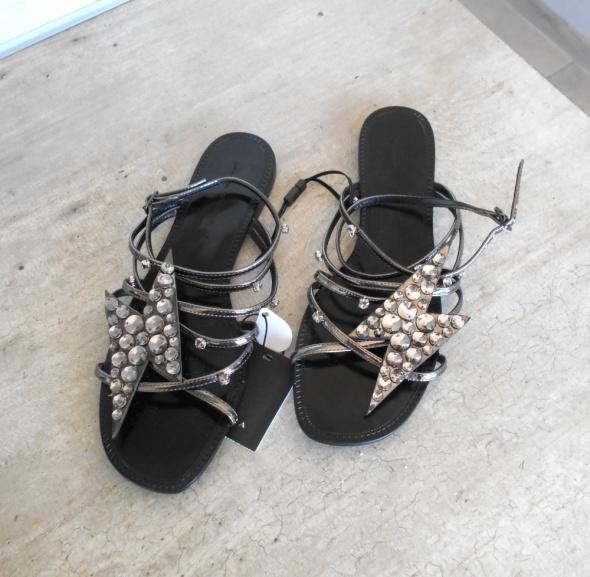Zara nowe srebrne sandały kryształki błyskawice paski