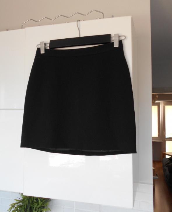 New Look klasyczna czarna spódniczka zamek zip minimalizm ołówkowa