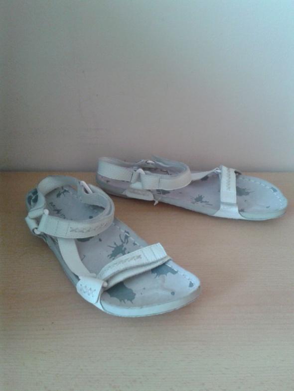 Białe sandały McArthur skóra naturalna 40 wkładka 255cm nowe