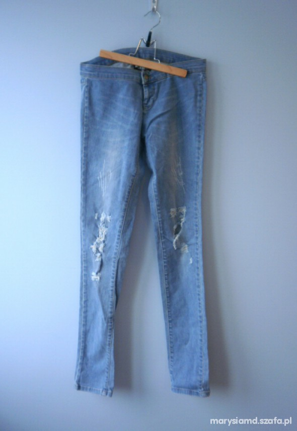 jeansy jasne rurki z dziurami ripped...