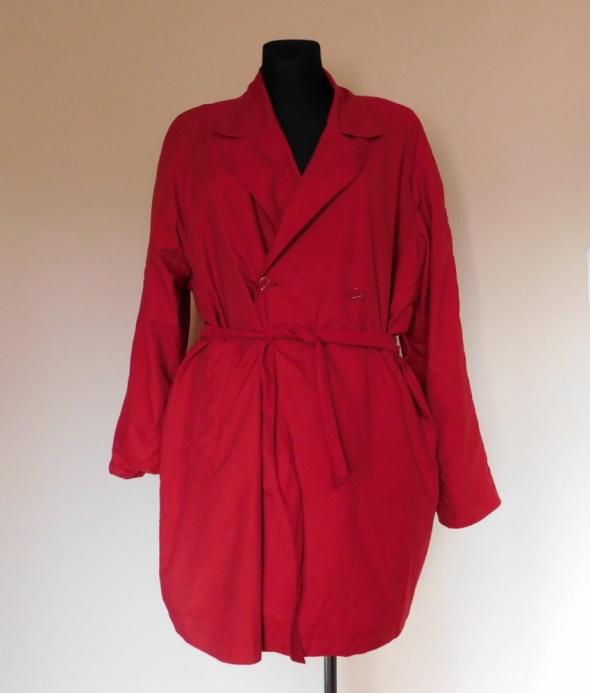 Berkertex czerwony płaszcz wiosna jesień 42 44