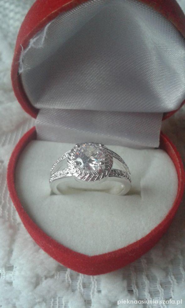 925 pierścionek z cyrkonią