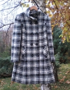 Kłasyczny płaszcz damski...