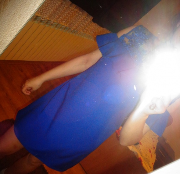 chabrowa sukienka odkryte ramiona hiszpanka