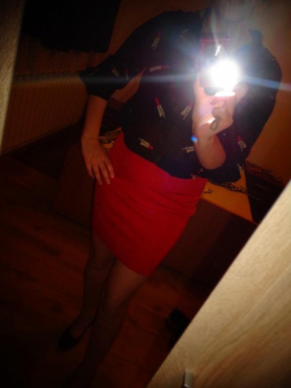 czerwona spódniczka mini sexy