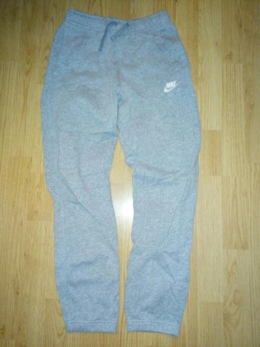 Spodnie dresowe Nike r 147 158