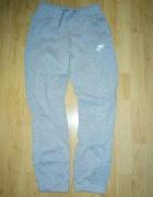 Spodnie dresowe Nike r 147 158...