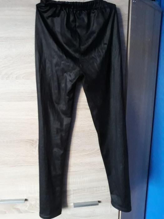 Ubrania legginsy leginsy getry