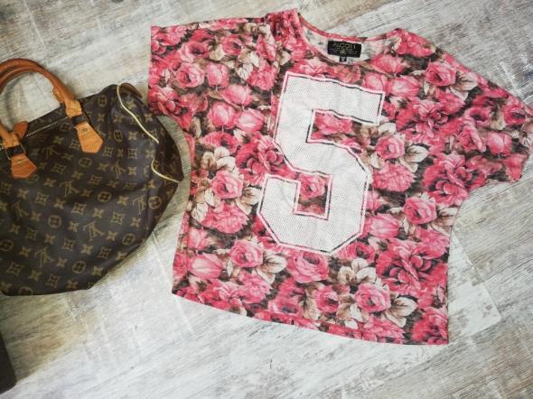 Blogerska bluzka s numer kwiaty