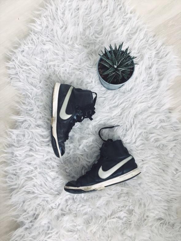 Nike Blazer Mid 375...