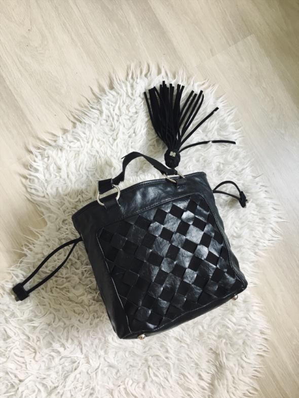 torebka Parfois torba czarna z frędzlem shopperka zamsz...