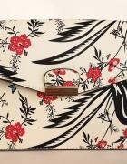Beżowa torebka Deichmann w kwiatki motylki i ptaki...