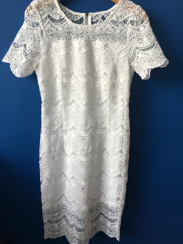 Piękna biała sukienka boho koronkowa Troll...