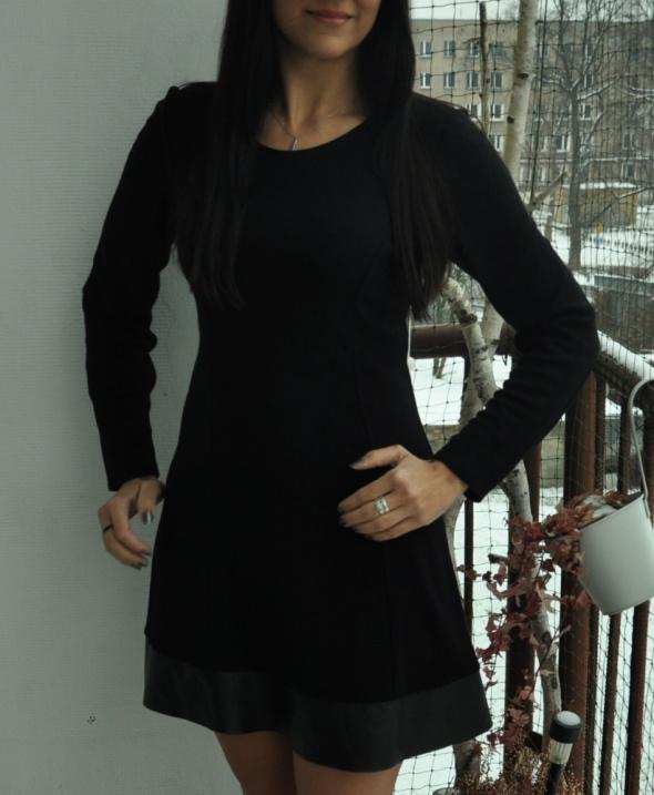 czarna sukienka ze skórzaną wstawką...