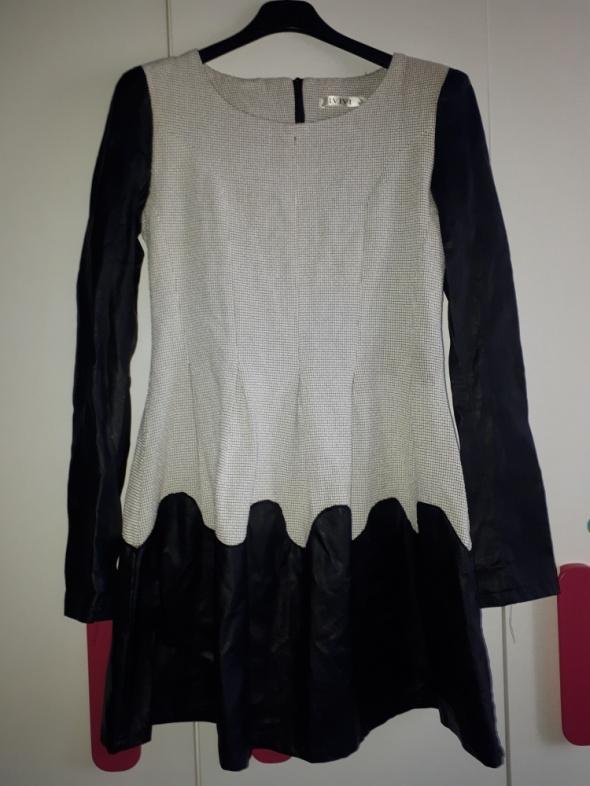Sukienka rozmiar M L długi rękaw