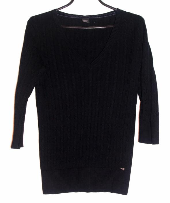 minimal sweterek warkocze dekolt V...