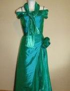 zielona suknia z kokardką...