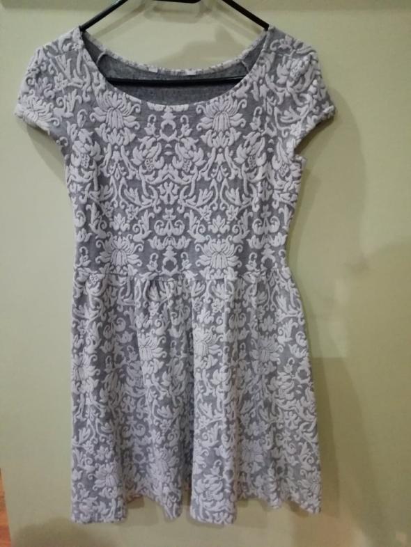 Suknie i sukienki Sukienka wyszywana