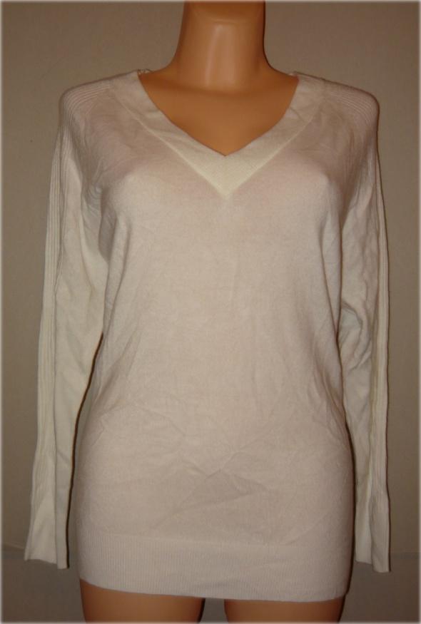 F&F biały sweterek w serek idealny 44 46