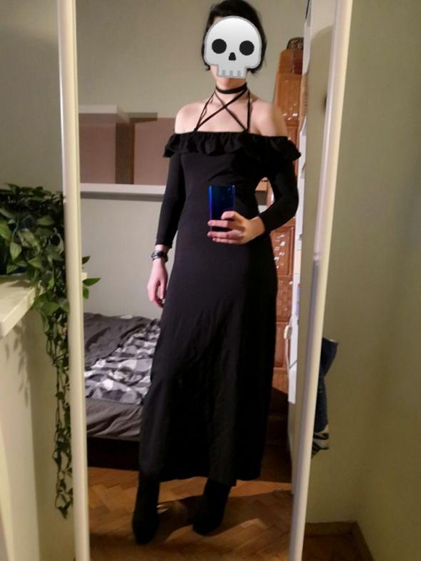 Czarna sukienka maksi maxi elegancka hiszpanka off the shoulder goth gotycka harness strapsy paski falbanka choker