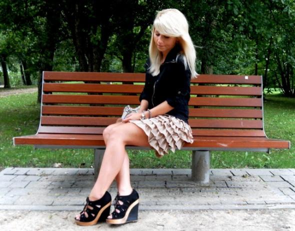 Spódnice karmelowa spódniczka REVIEW