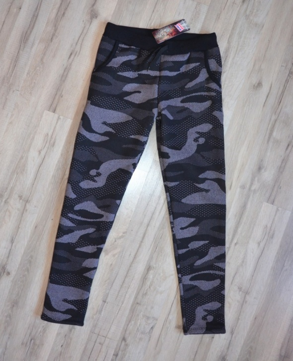 Nowe ocieplane bawełniane spodnie z kieszeniami tregginsy legginsy moro rurki M L