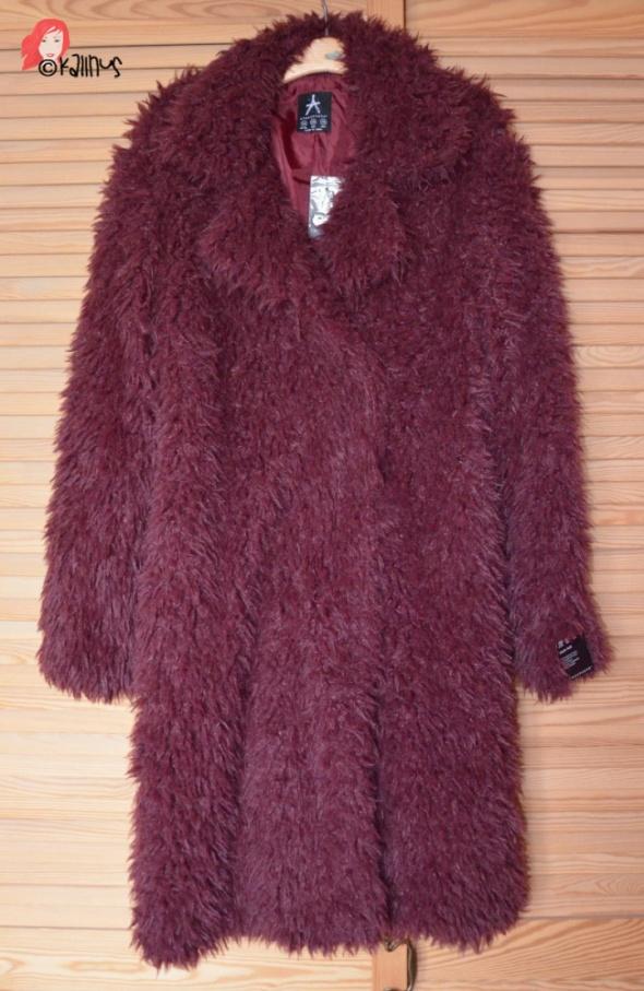 NOWY płaszczyk futrzak burgund oversize dwurzędowy sztuczne futerko baranek Primark 36