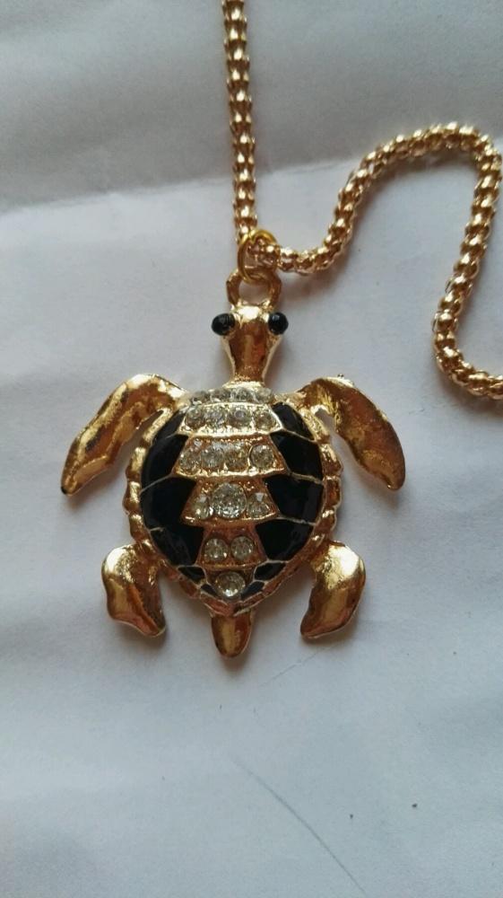 Naszyjnik z żółwiem