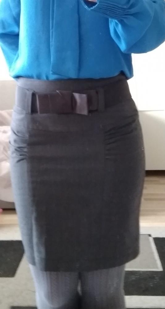 Szara spódnica z paskiem troll xs