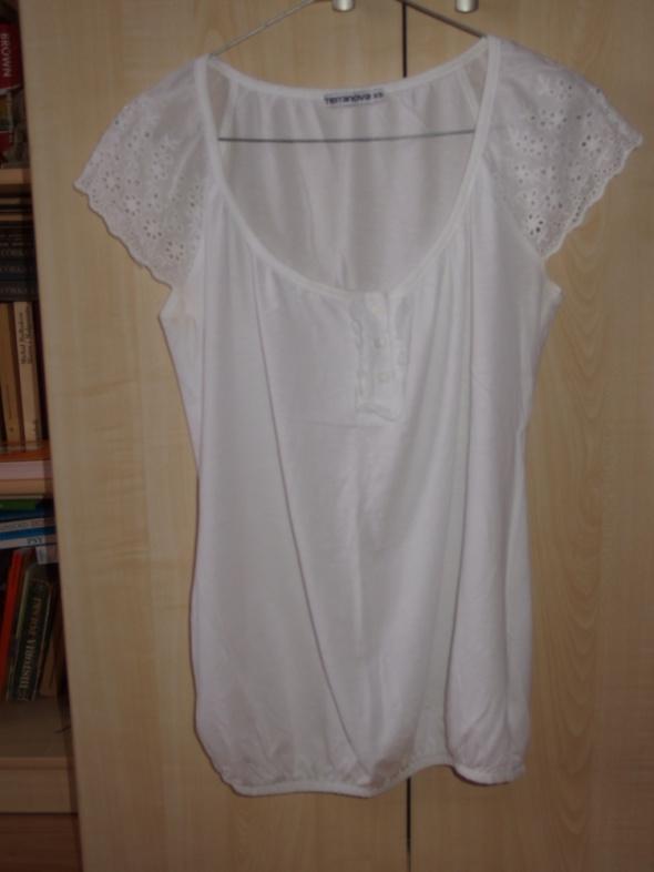 bluzeczka koronka...