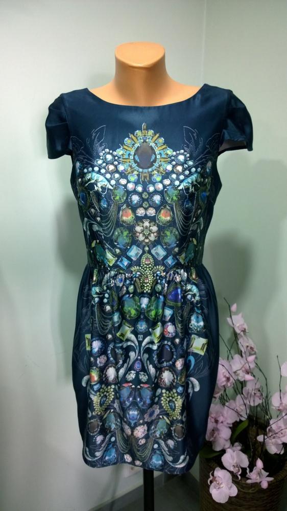 sukienka łańcuszki biżuteria...