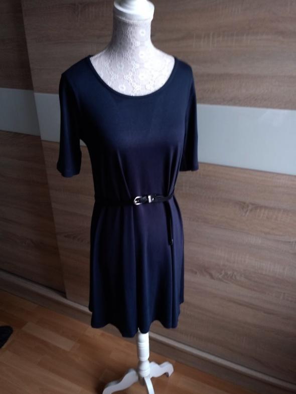Granatowa sukienka oversize 38