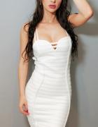 HIT Bandażowa sukienka biała rozmiar M...