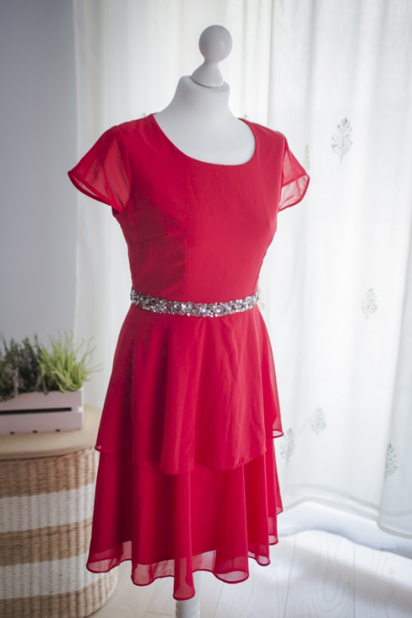 Sukienka na wiele okazji Urocza kobieca soczysta czerwień...