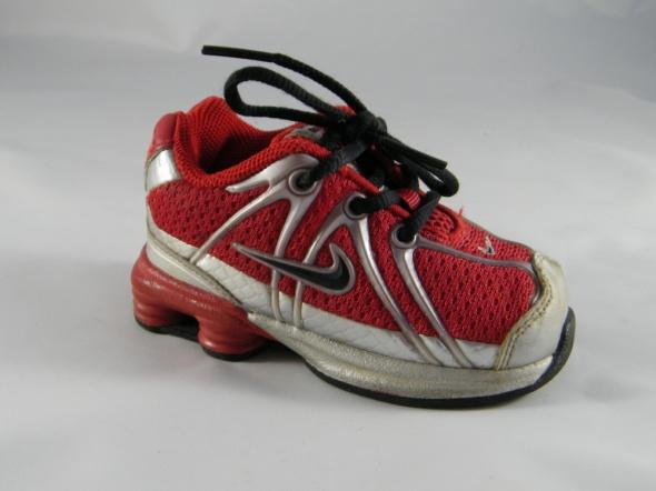Nike czerwień r20