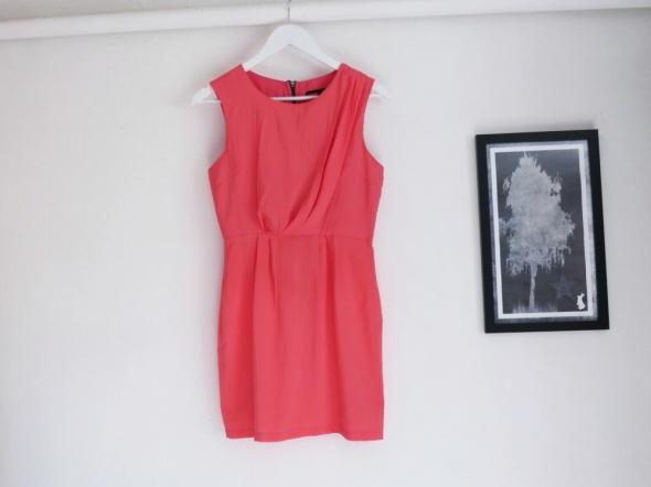 Sukienka koralowa jasna zip