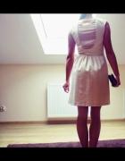 Sukienka Reserved pudrowa wycięte plecy