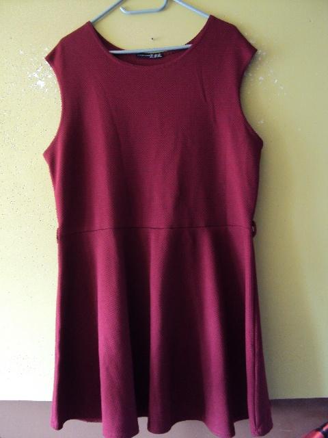 Suknie i sukienki burgundowa rozkloszowana sukienka