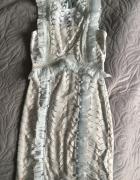 Piękna błękitna sukienka