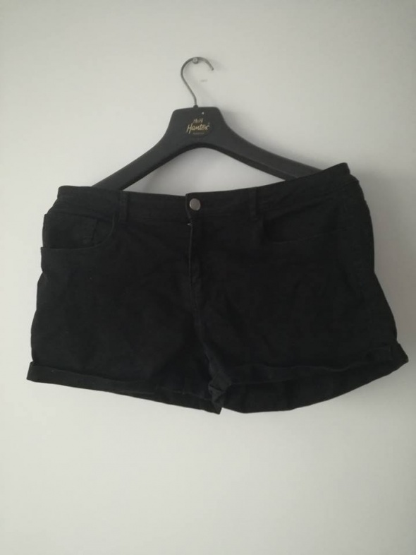 Krótkie spodenki jeansowe czarne...