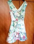 Sukienka Zara nowa kwiaty rozkloszowana tłoczenia XS