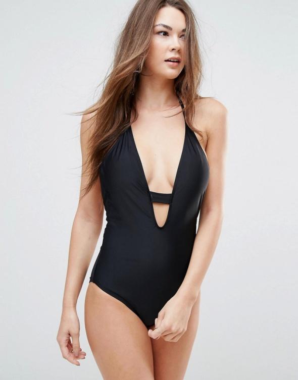Czarny strój kostium kąpielowy jednoczęściowy