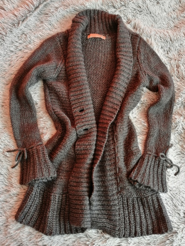 Grafitowy dłuższy sweter