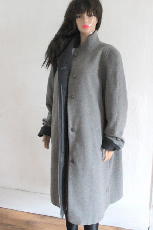 Włoski długi płaszcz r 44...