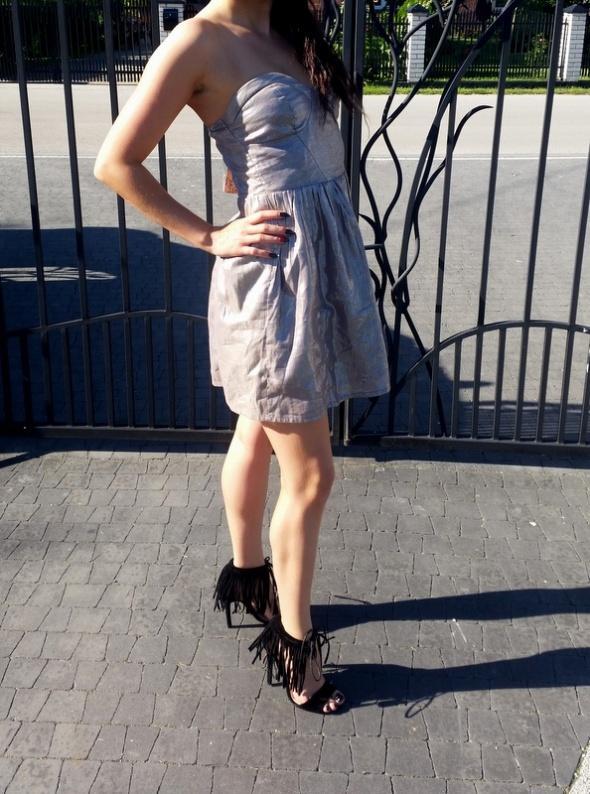 sukienka srebrna bershka