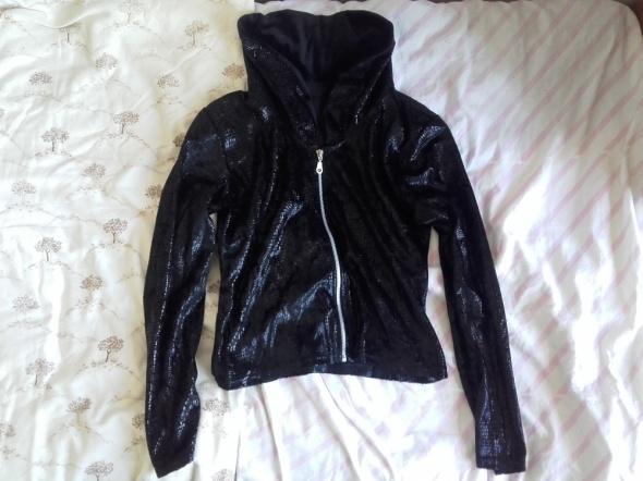 Czarna kurtka imitacja wężowa skóra M Markowa Idealny