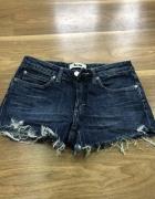 Krótkie spodenki jeansowe damskie rozmiar 28...